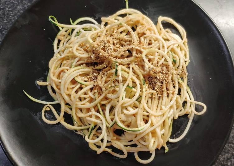 Recipe: Yummy Spaghettis de courgette crue/sauce arachide (vegan)