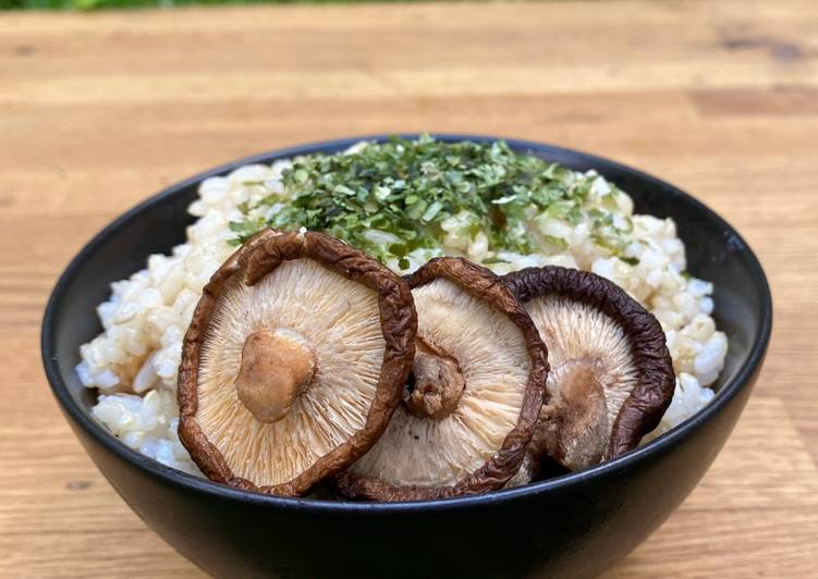 Step-by-Step Guide to Prepare Homemade Brown Rice with Aonori Seaweed and Miso Mushrooms
