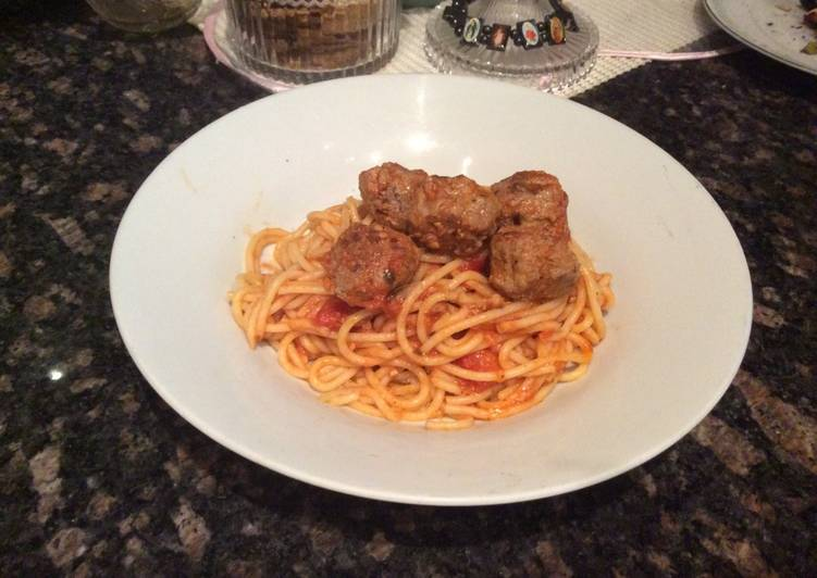 Tuscan meatballs with spaghetti