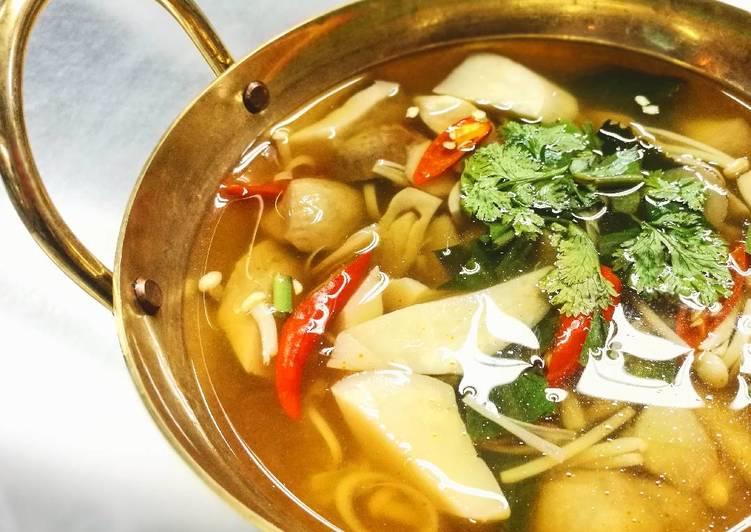 Recipe of Perfect Vegan Mushroom Tomyum