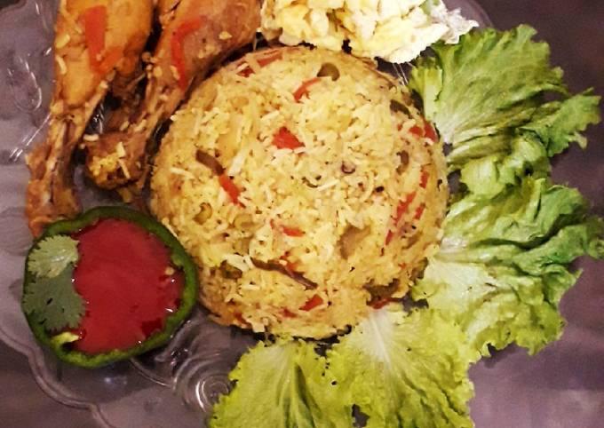 Veg and chicken biryani platter