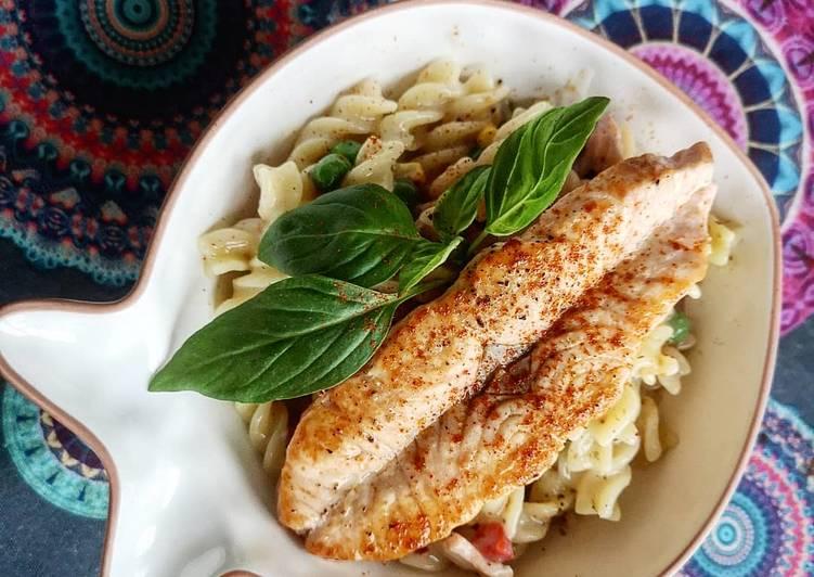 Simple Way to Prepare Favorite Creamy milky Salmon pasta