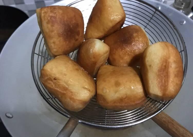 Begini Cara Memasak Odading / roti bantal/ roti goreng…