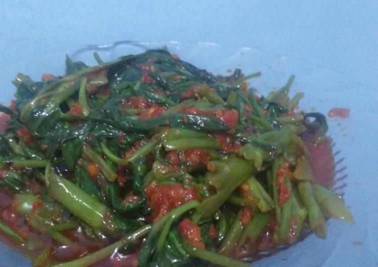 Sayur Kangkung Kuah Pedas