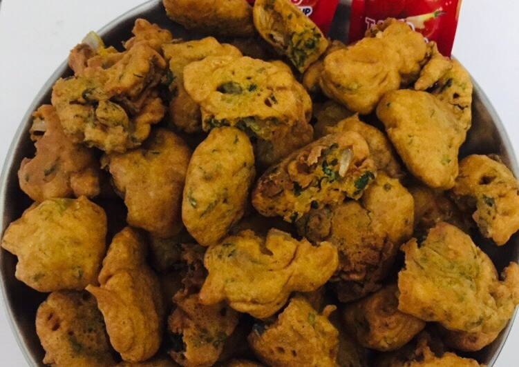 How to Make Homemade Sana Onion Pakoras