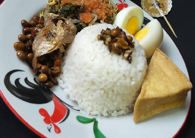 Sego Wiwit khas Yogyakarta