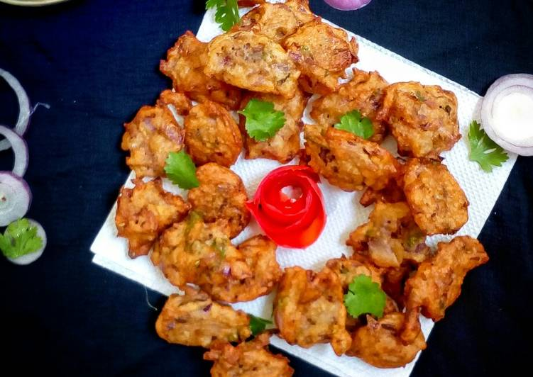 Recipe of Any-night-of-the-week Masoor dal pakode (red lentils fritters)