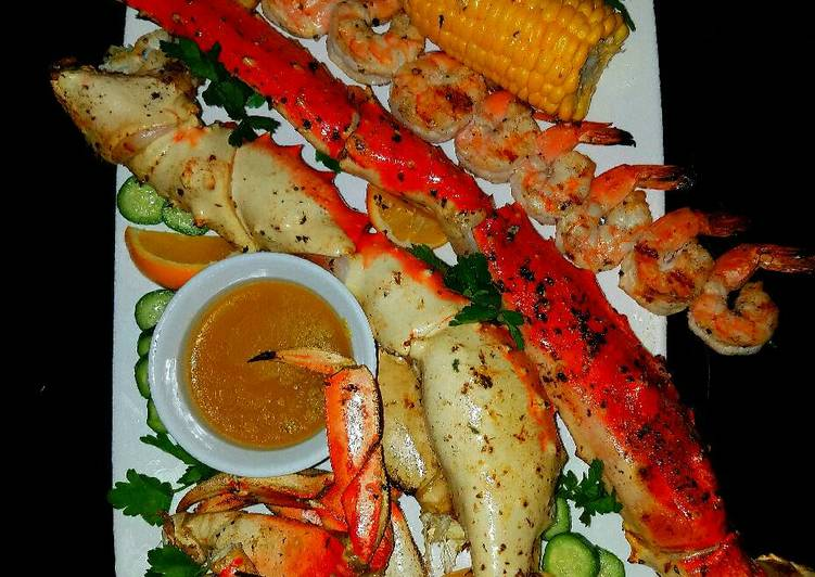 Mike's Poseidon Platter With Dungeness Crab Side Salad
