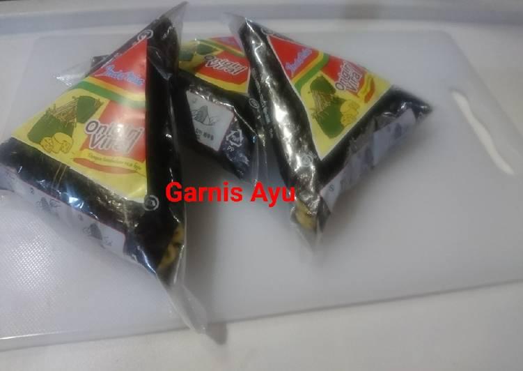 Resep Indomie Onigiri Viral Sangat Mudah Membuatnya Oleh Garnis Ayuningtias S E Cookpad