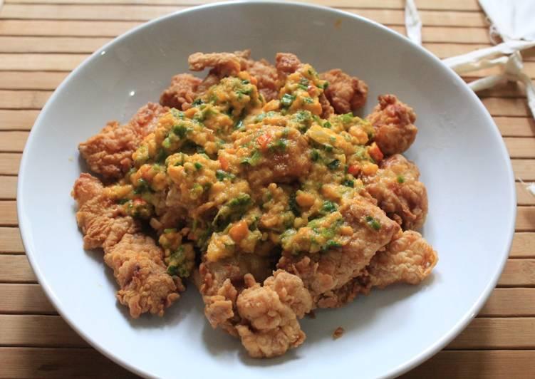 Resep Ikan kakap goreng tepung saos telur asin Yang Gampang Endes