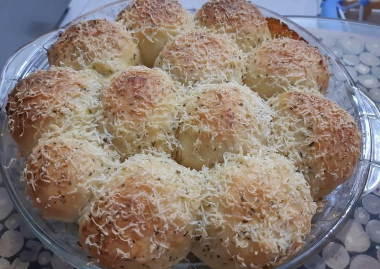 Garlic mozzarella bread (autolyze method)