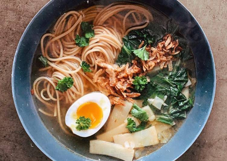 Ramen Noodles with Bok Choy and Egg
