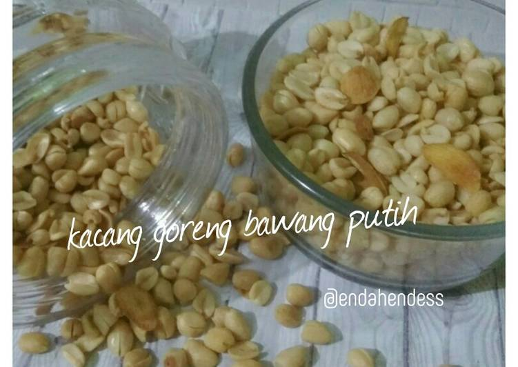 Kacang goreng bawang putih empuk renyah