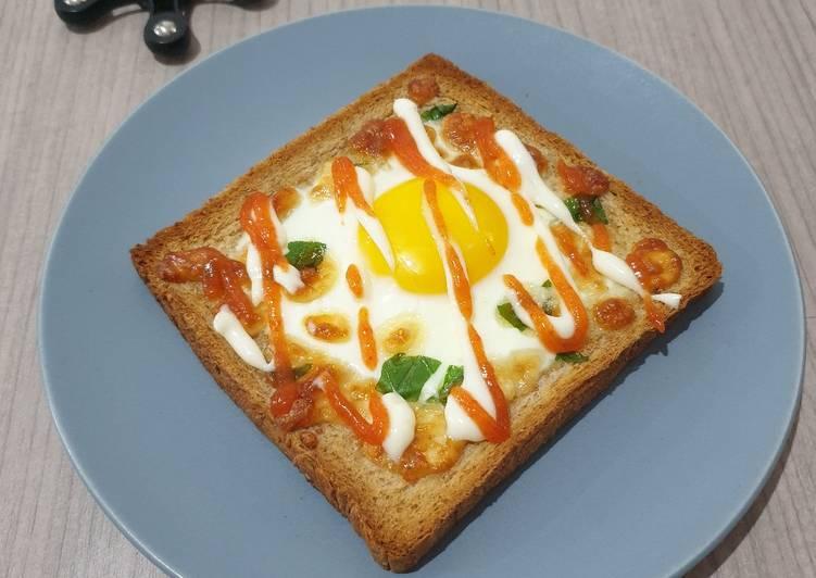 Oven Baked Toast with Egg-Cheese-Basil (Ide Roti Panggang)