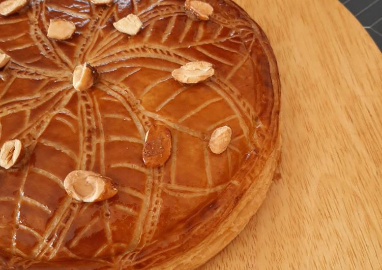Comment faire Préparer Savoureux Galette des rois à la crème d'amande croquante et au praliné