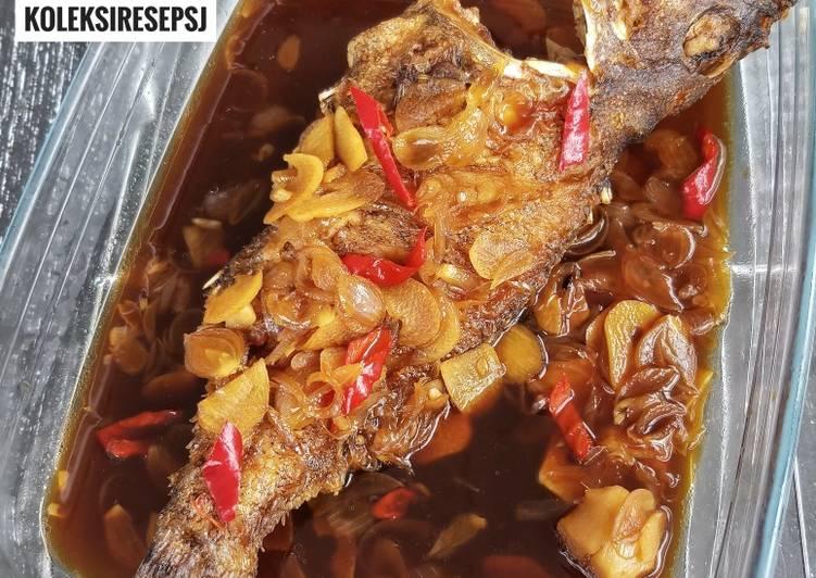 Ikan masak bawang kecap