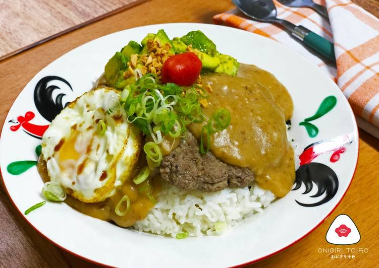 Loco Moco (Hawaiian Beef Patty and Egg Bowl)ロコモコ丼グレイビーソース