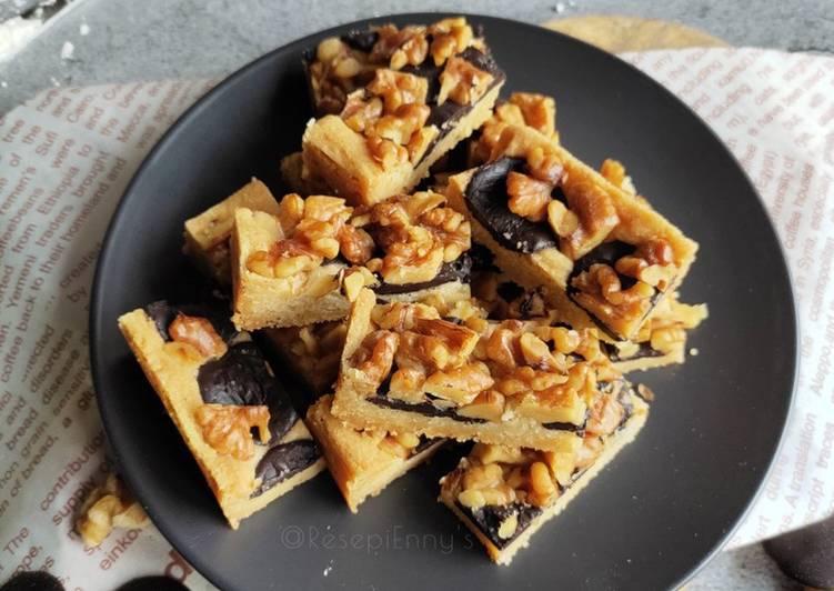 Chocolate & Walnut Slices