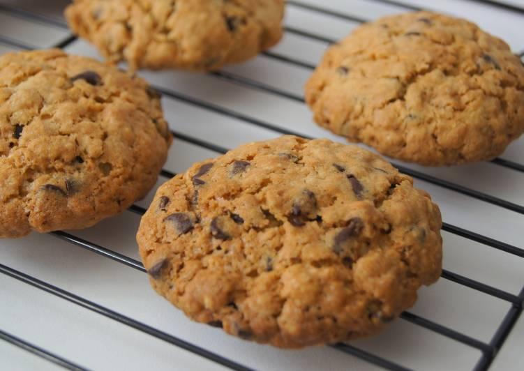 Recipe: Perfect Cookies Flocons d'avoine et pépites de chocolat