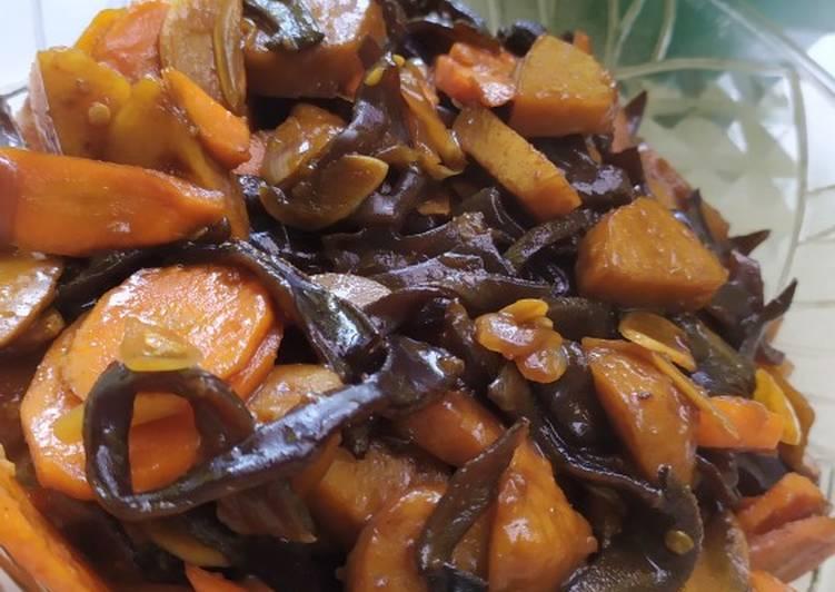 Tumis baso dan jamur kuping