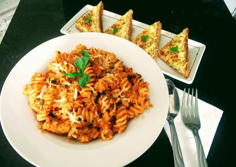 Pasta In Arabiata Sauce With Cheese Chilli Toast