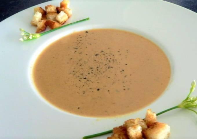 Soupe de poissons aux croutons frits