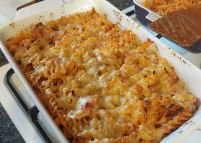 Chicken & Tomato Pasta Bake
