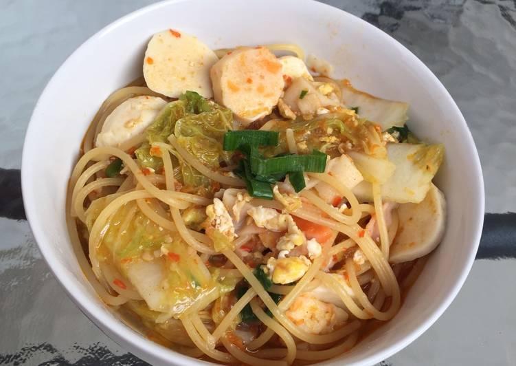 Spaghetti Kuah Bumbu Seblak Bandung