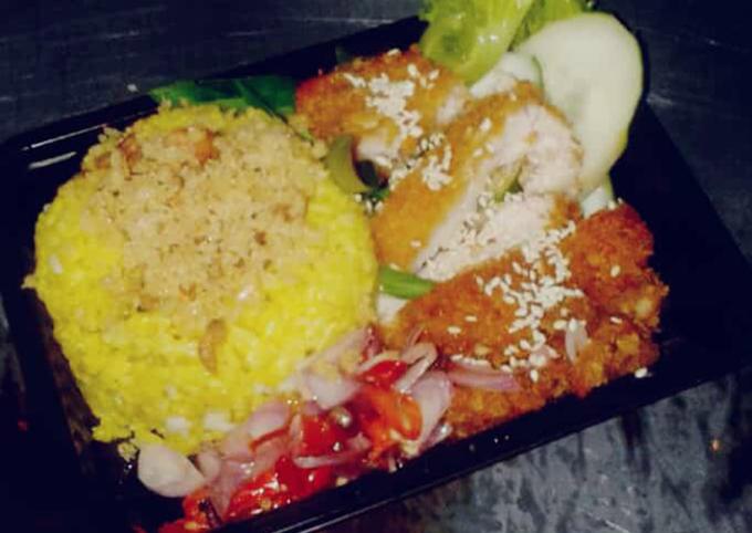 Cara Menghidangkan Chiken katsu dengan nasi kuning Terbaik Untuk Jualan