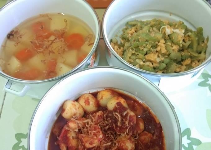 Bagaimana Menyiapkan Menu Rumahan: soup kentang wortel, tumis pari telur, sambalado, Lezat Sekali