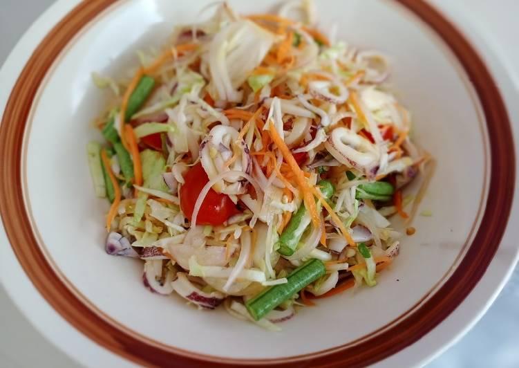 Kerabu sotong thailand
