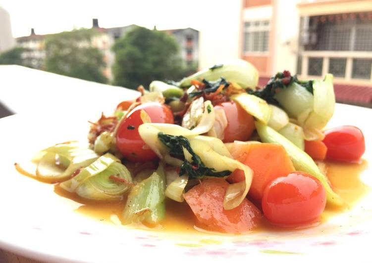 Step-by-Step Guide to Prepare Any-night-of-the-week Mix Vegetables In XO Scallop Sauce