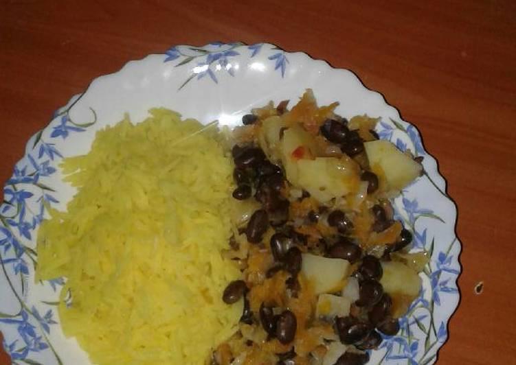Simple Way to Prepare Favorite Black Njahi with Tumeric rice