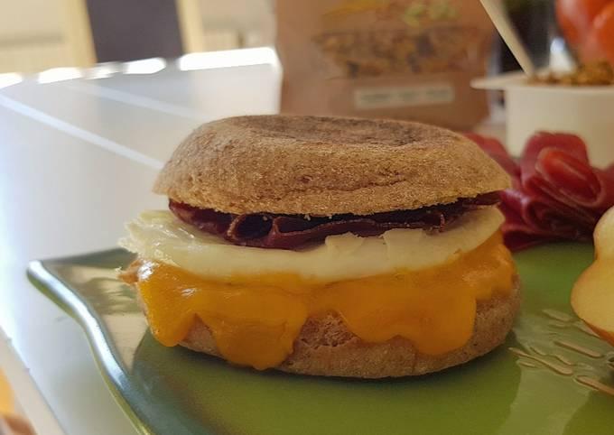 9• Petit-déjeuner Express le Egg Muffin au Grison