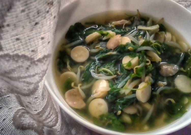 Spinach Beansprout and Sausage Soup