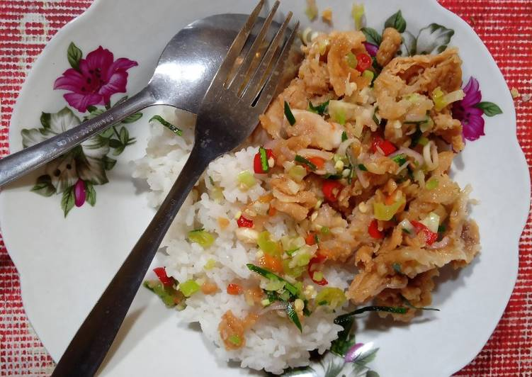Ayam geprek sambal mattah 🤤