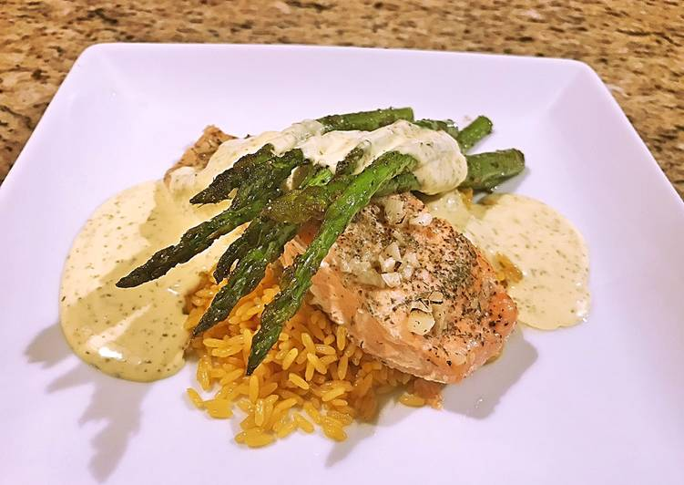 Recipe: Tasty Salmon with asparagus and dill Béarnaise