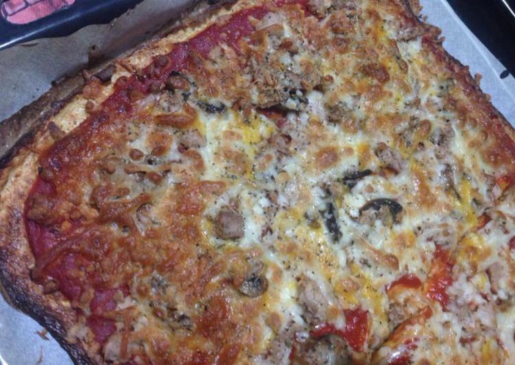 Pizza con base de coliflor (sin harina)