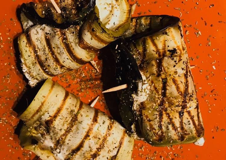 Rouleaux d'aubergine, saumon et philadelphia