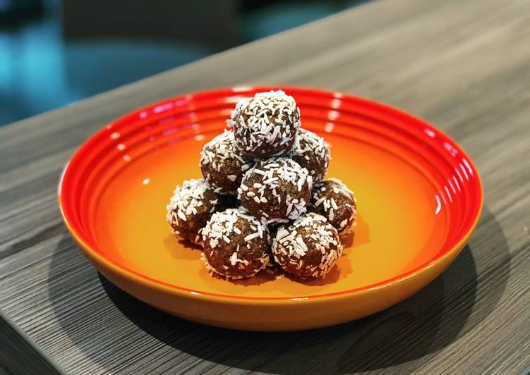 Recipe of Top-Rated Raw Chocolate and Coconut Protein Balls