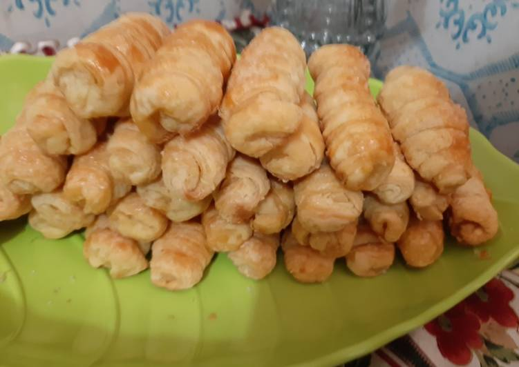 Puff Pastry filling Cheese stick