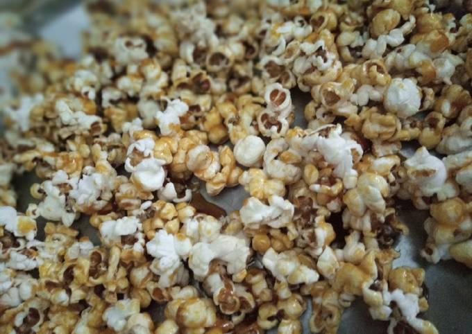 Caramel popcorn (popcorn chikki)