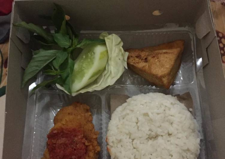 Cara Menyiapkan Ayam geprek nasi box,,,,🍗 Top Enaknya