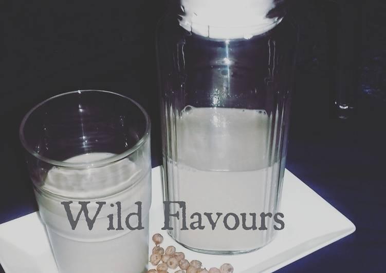 Horchata (tigernut milk)Kunun aya