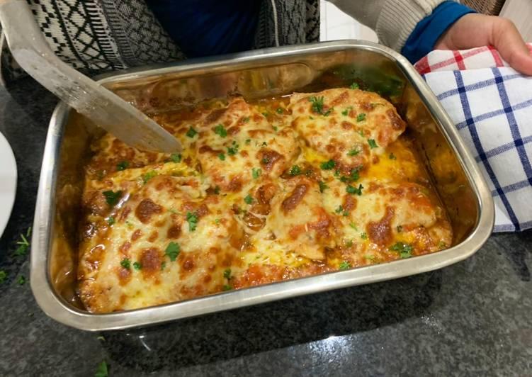 Chicken Chilli Tomato and Mozarella Bake