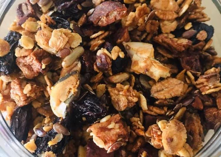 Easiest Way to Prepare Delicious Granola aux Fruits secs et Oléagineux