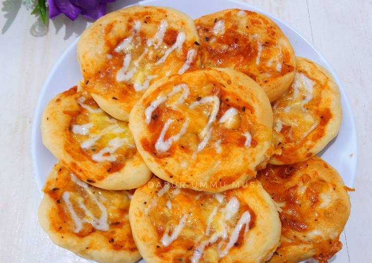 Roti Pizza Mini Empuk + Homemade Saus Ayam