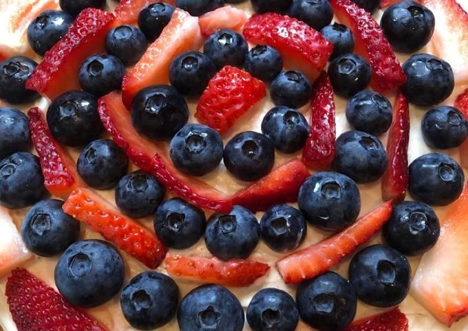 Patriotic No-Bake Spiced Rum Berry Cream Cheese Pie 🥧