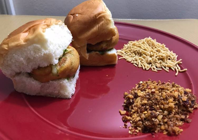 How to Prepare Perfect Vada Pav