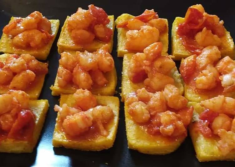 Recipe: Perfect Polenta and shrimp croutons